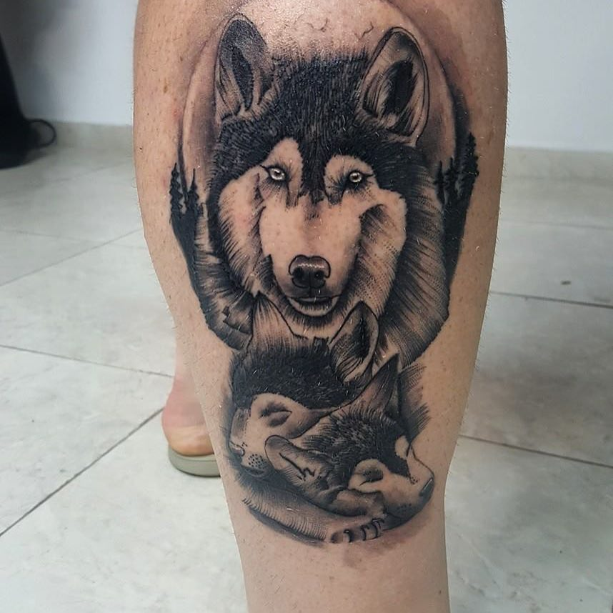 做文字记者的惠先生小腿写实狼纹身图案